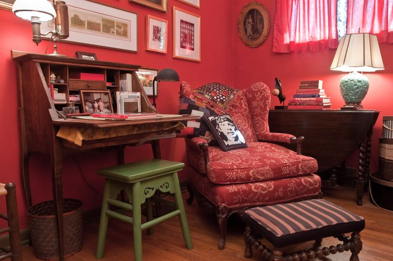 Red Room-2